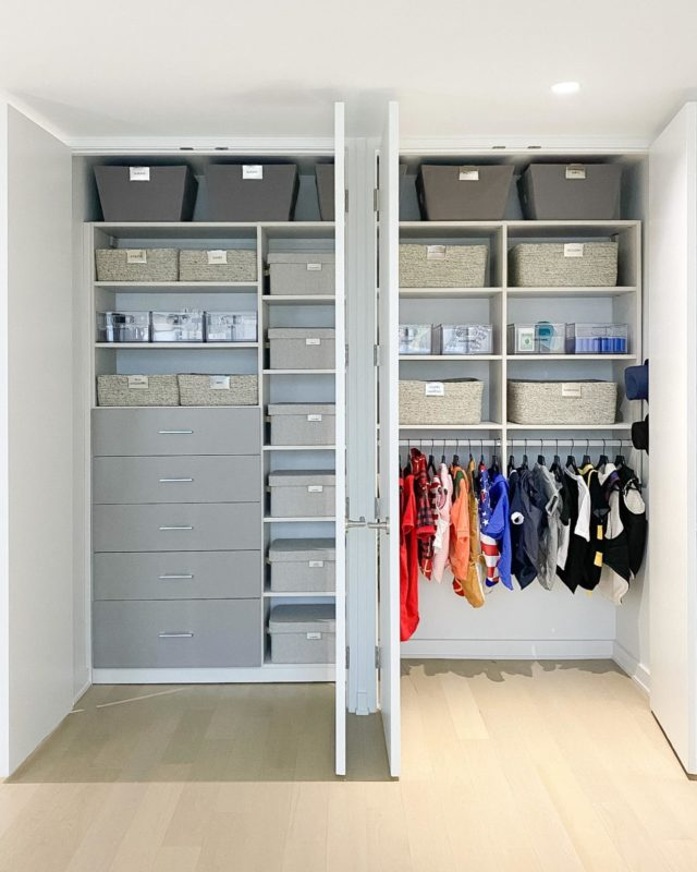 A closet fit for the king 👑 @paddyinthecity and streamlined to serve as the foundation of this home. ⠀⠀⠀⠀⠀⠀⠀⠀⠀ The right side of the closet has been transformed into a fabulous one-stop-pet-shop, complete with grooming needs, a robust wardrobe, bow tie buffet, and top hats—of course.  ⠀⠀⠀⠀⠀⠀⠀⠀⠀ The left side houses travel bags and accessories...tech...games and puzzles...fitness tools...sentimental collections...family photo albums...and even has room to grow! ⠀⠀⠀⠀⠀⠀⠀⠀⠀ Settled Signature ™️ ⠀⠀⠀⠀⠀⠀⠀⠀⠀ #settledsignature #closetinspo #bespokedesign #homeorganization #closetorganization #settled #idlivesimply #thecontainerstore #organizedlife #dogstagram #bulldogsofinstagram #closetgoals #inspirationstartswithin #dogcloset #pictureperfect